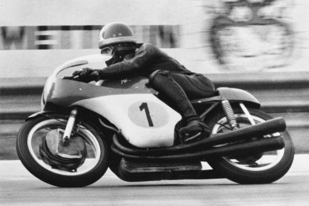 50 anni di Giacomo Agostini per 100 anni di Bendotti