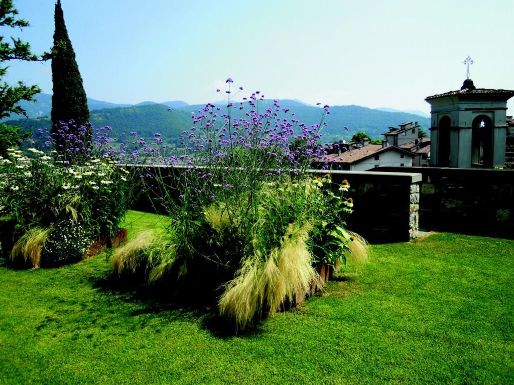02 Open Gardens