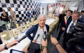 A Lovere una mostra ed un'istallazione dedicate a Giacomo Agostini. L'età dell'oro.