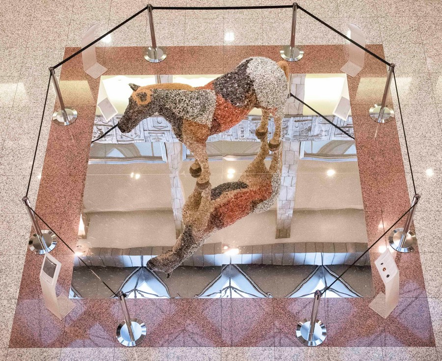 03-the-jewelled-horse