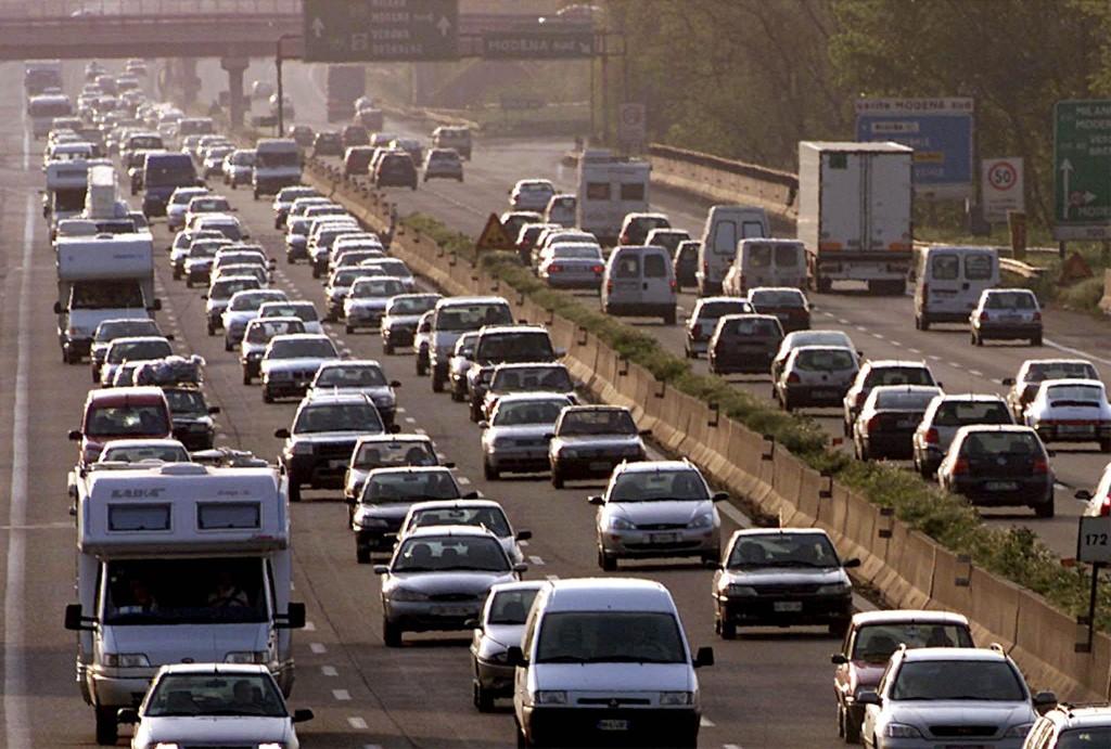 Auto malfunzionanti dopo il pieno: mix di benzina e diesel