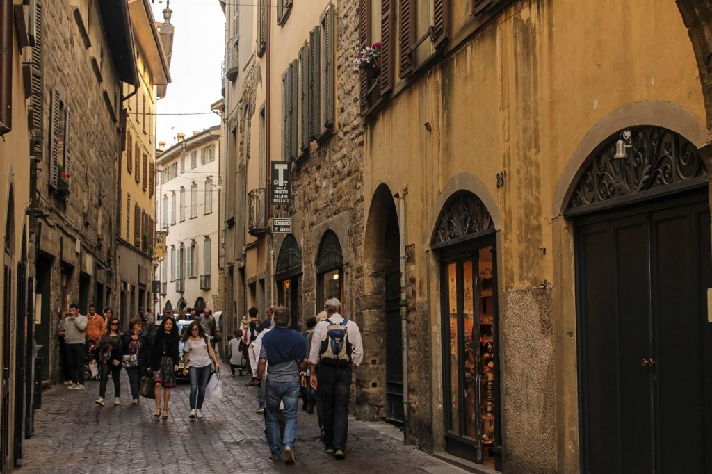 Tre milioni di stranieri a Orio, ma solo il 5% visitano Bergamo