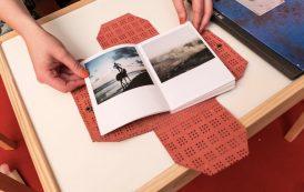 Loulou d'Aki, fotografa svedese, con Make a wish vince il Photobook Review and Prize 2017