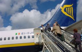 Perdono la partita per un ritardo aereo: Ryanair deve risarcire