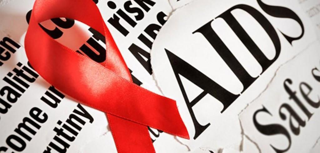 Un grande abbraccio contro l'Aids al centro Le Due Torri