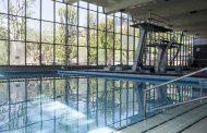 Polemica sul bar delle piscine Italcementi ancora chiuso