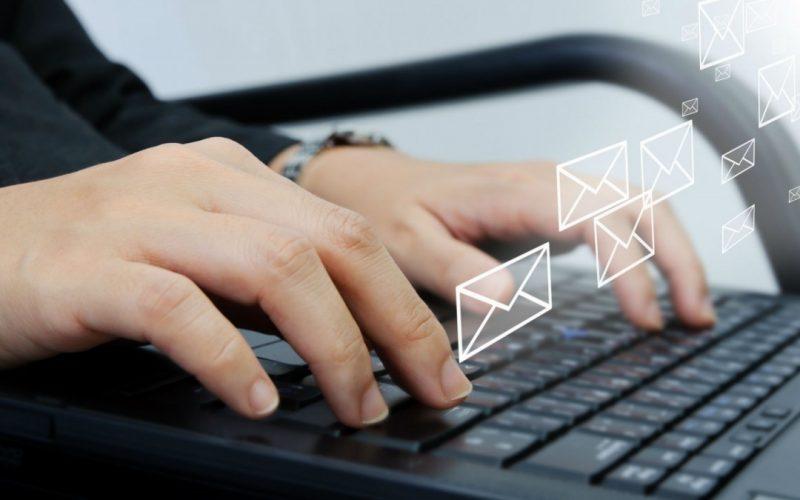 Nembro, il caso delle mail spiate. Impiegata condannata a 3 anni