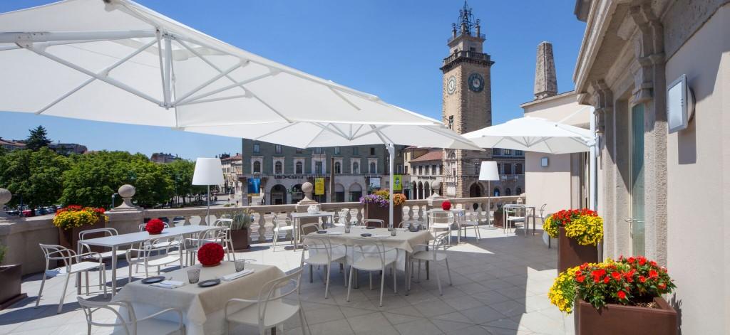 «Bergamo è rock» dalla terrazza di Ezio Gritti