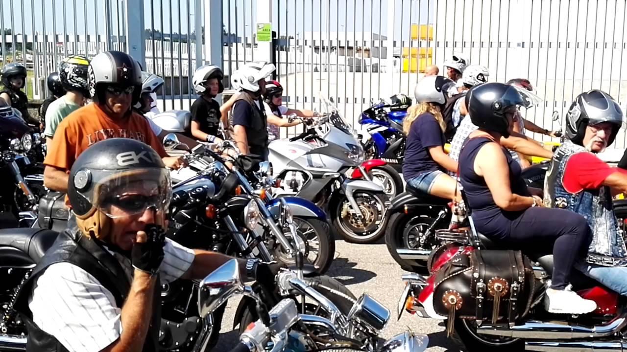 Festa Bikers, centauro salvato da una motociclista