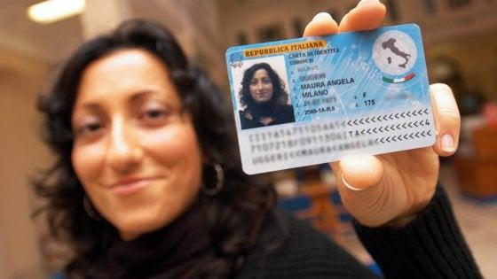 Carta d'identità elettronica, Bergamo 5 volte meglio di Milano