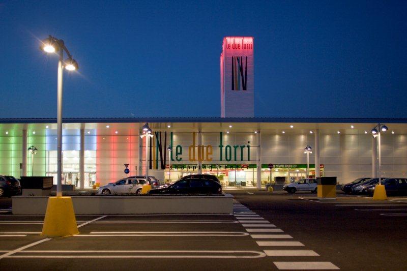 Centro commerciale chiuso sia a Natale che a Santo Stefano
