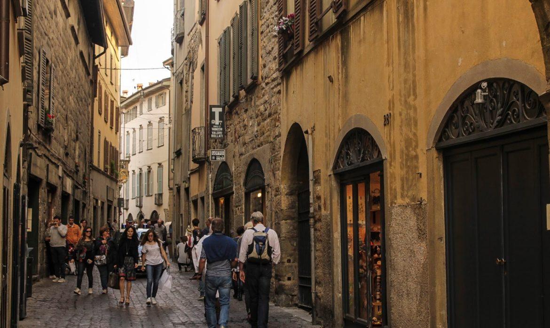 Turisti, Bergamo più internazionale: un milione di stranieri