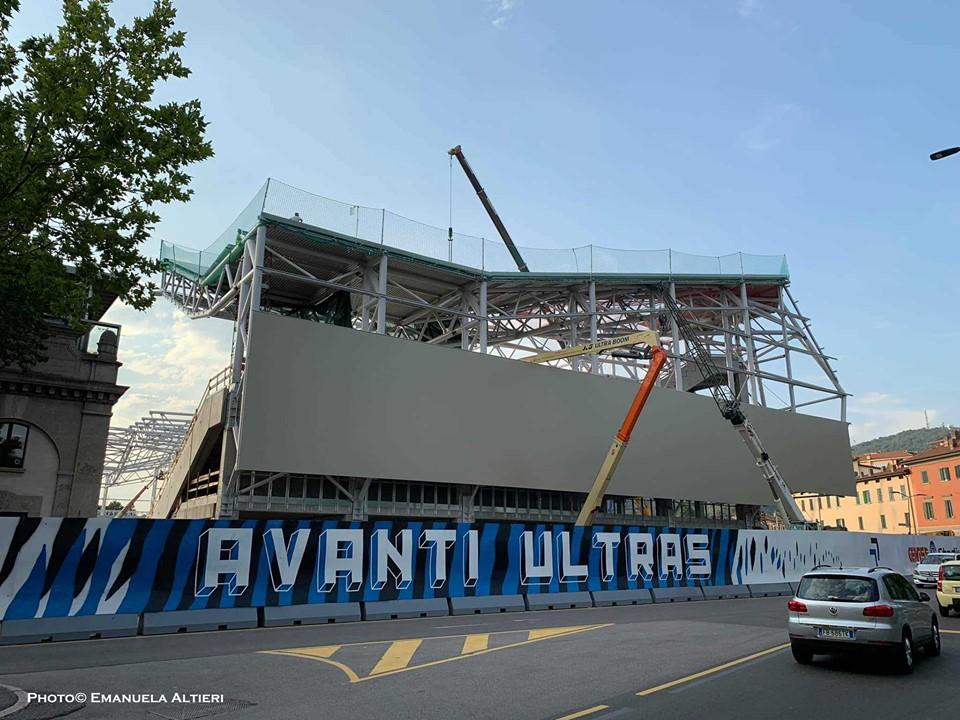Rivestimento del Gewiss Stadium, controlli della Soprintendenza