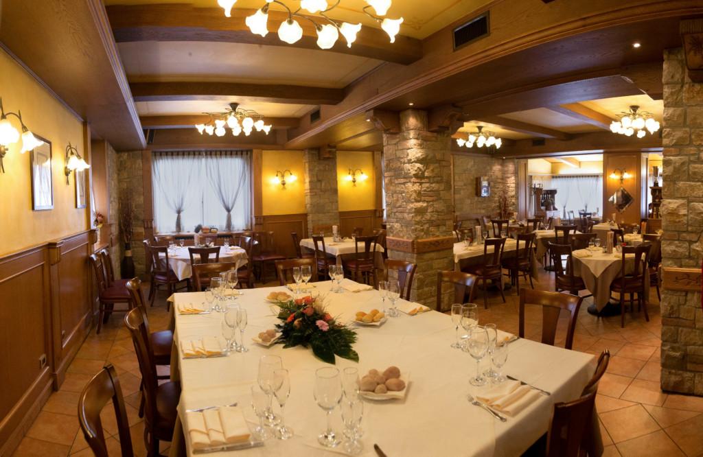 Pranzo solidale al ristorante Trota di Laxolo di Brembilla