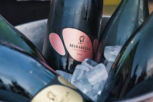 Mirabella compie 40 anni e si regala un Rosé Riserva