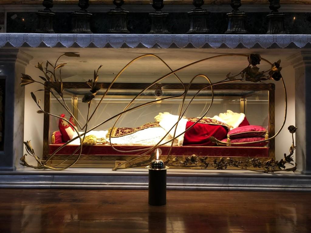 Il Cardinale Comastri invoca la supplica per i bergamaschi