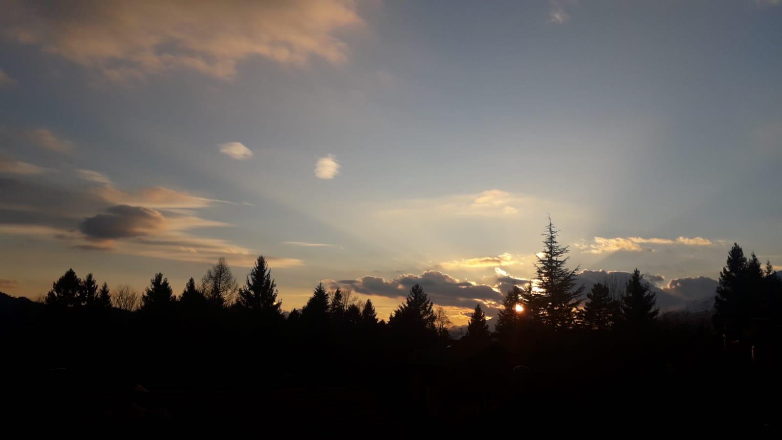 C'è il sole all'orizzonte: una nuova alba sta sorgendo