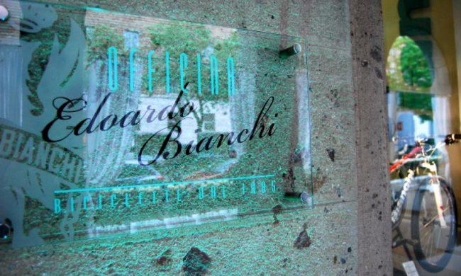 Bianchi chiude il negozio-officina sul Sentierone
