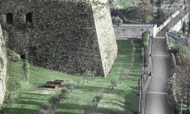 L'idea: un percorso pedonale ai piedi delle Mura