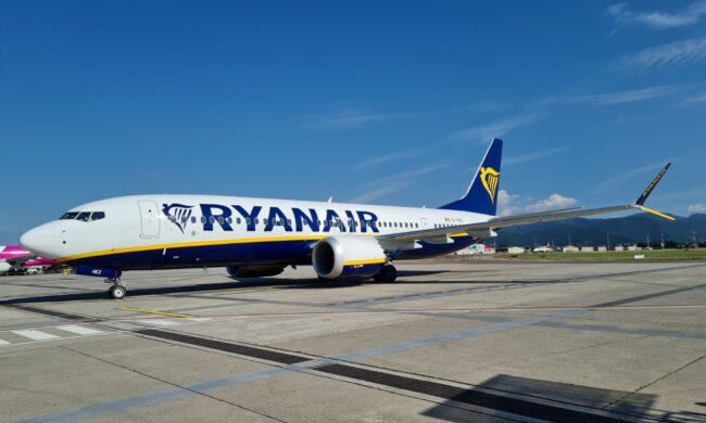 A Orio il primo Boeing 737-8200 Ryanair
